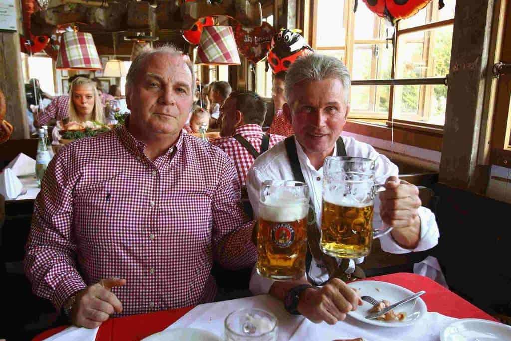 Немецкий бар, пиво и закуски