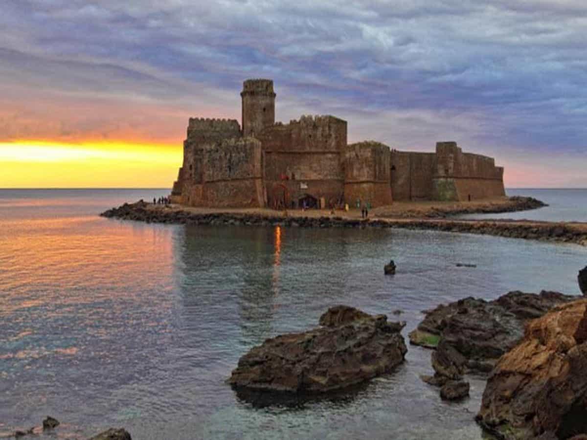 Крепость Castella