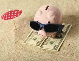 Свинья-копилка на отпуск