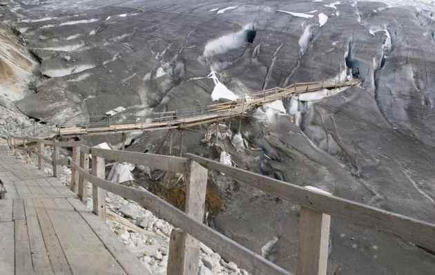 Мост, ледник Рона