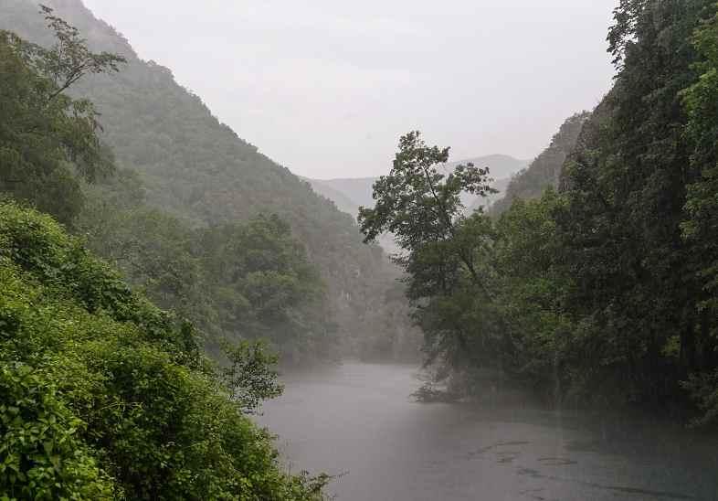 Туман над каньоном