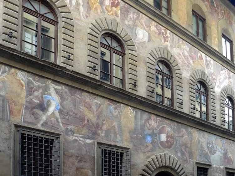 Фрески на стенах, Флоренция
