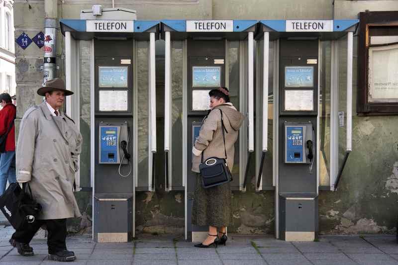 Привычные телефонные будки 70х годов