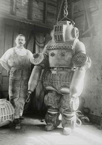 Макдуффи и его водолазный костюм