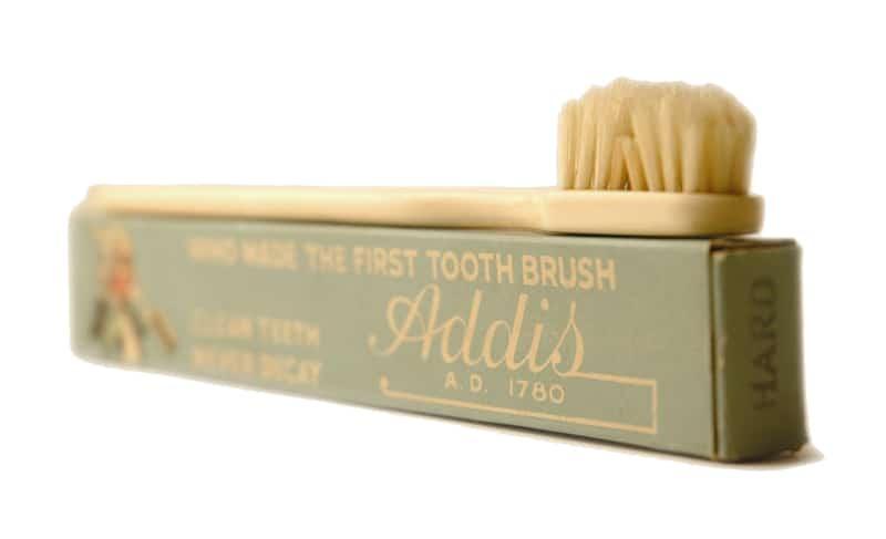 Зубная щетка с именем Аддиса