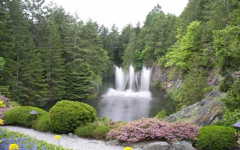 Водопад на острове Ванкувер