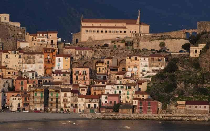 Реджо-ди-Калабрия, простые итальянские домики