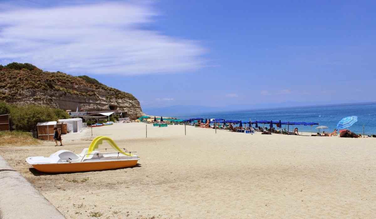 Пляж в Тропеа, Калабрия, Италия