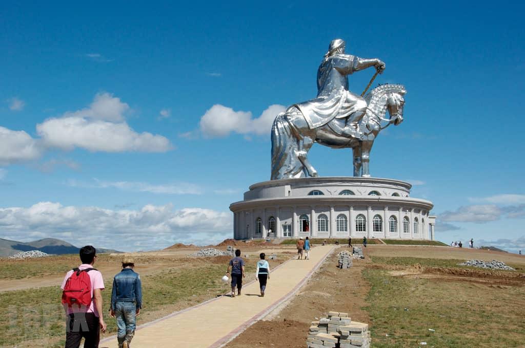 Монумент Чингисхану, Монголия