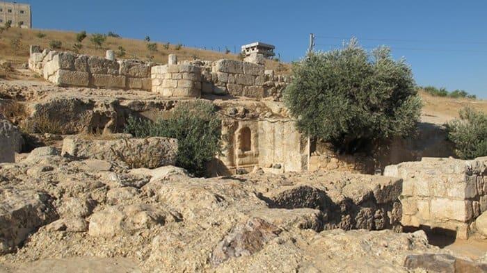 Пещера Аль-Кахаф, Иордания
