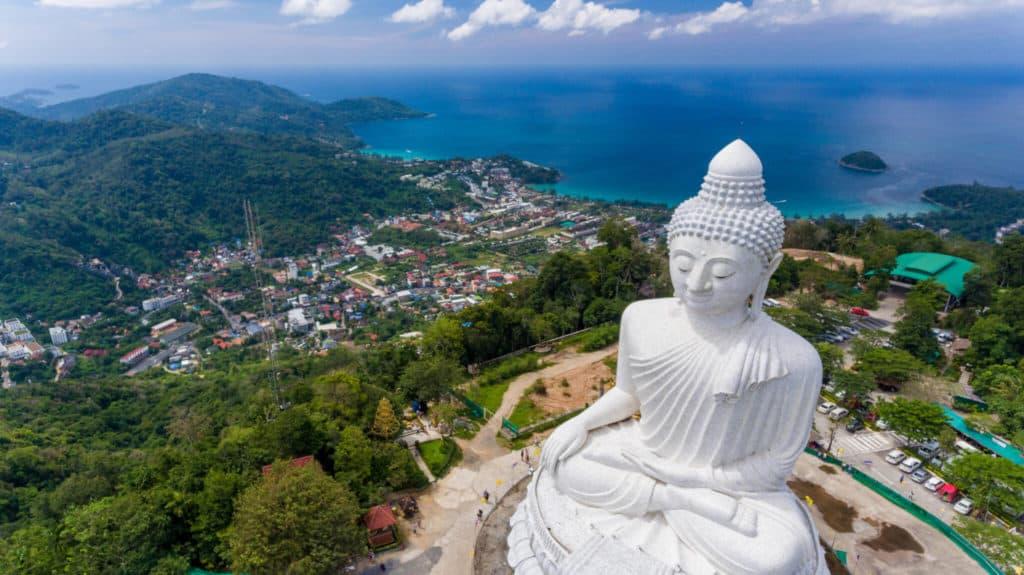 Статуя Большой Будда, гора Накакед, Пхукет, Тайланд