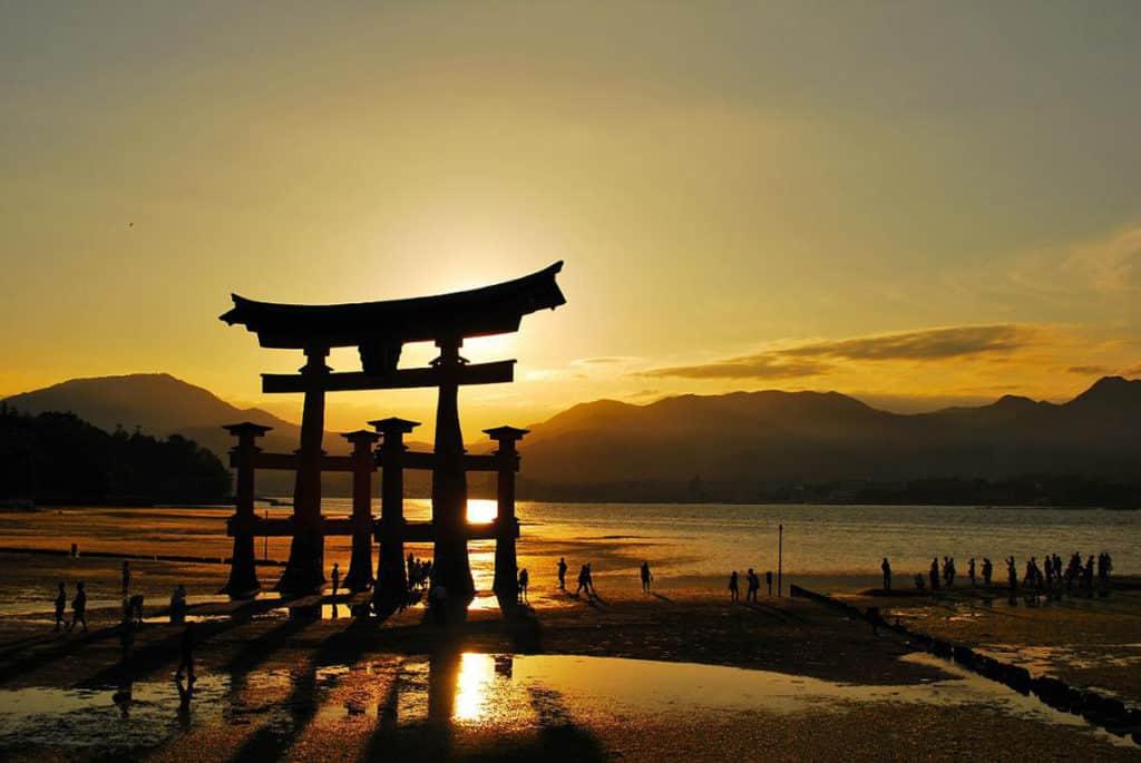 Красивый закат, Япония