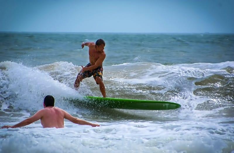 Сезон Серфинга, Вьетнам