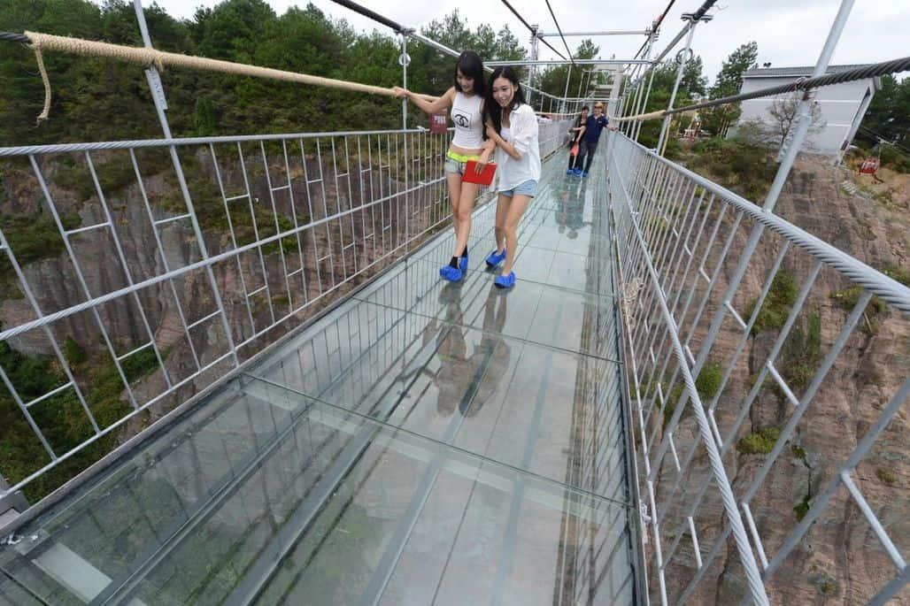 Мост между островами озера Шиян