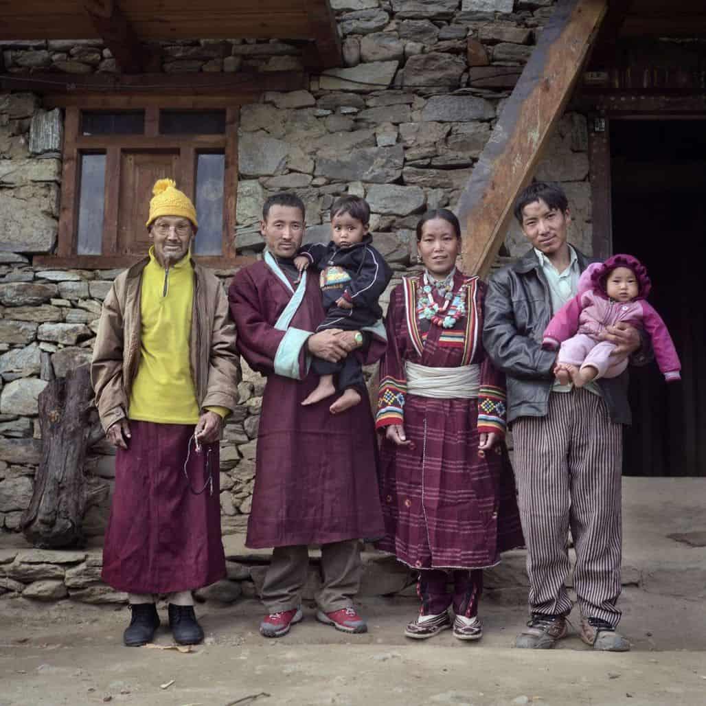 Полиандрическая семья из Непала