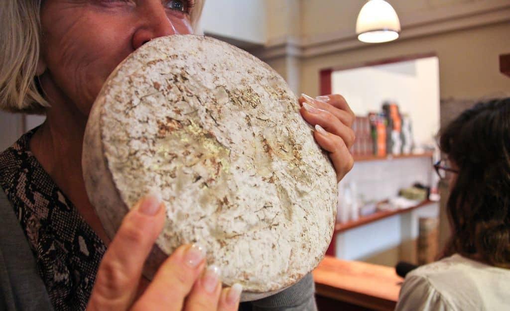 Экзотический сыр Касу Марцу