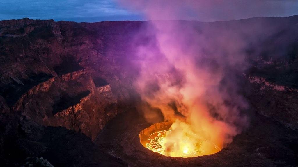 Активный вулкан Ньирагонго