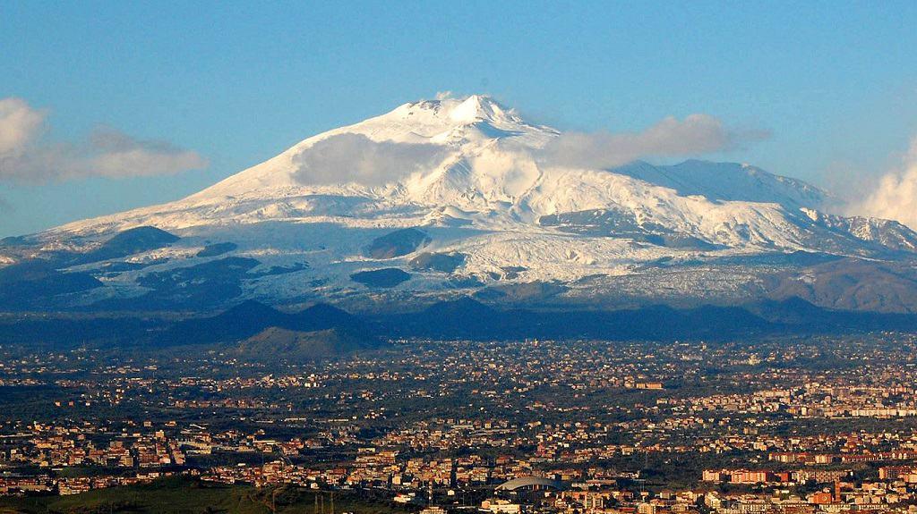 Самый высокий вулкан Европы - Этна