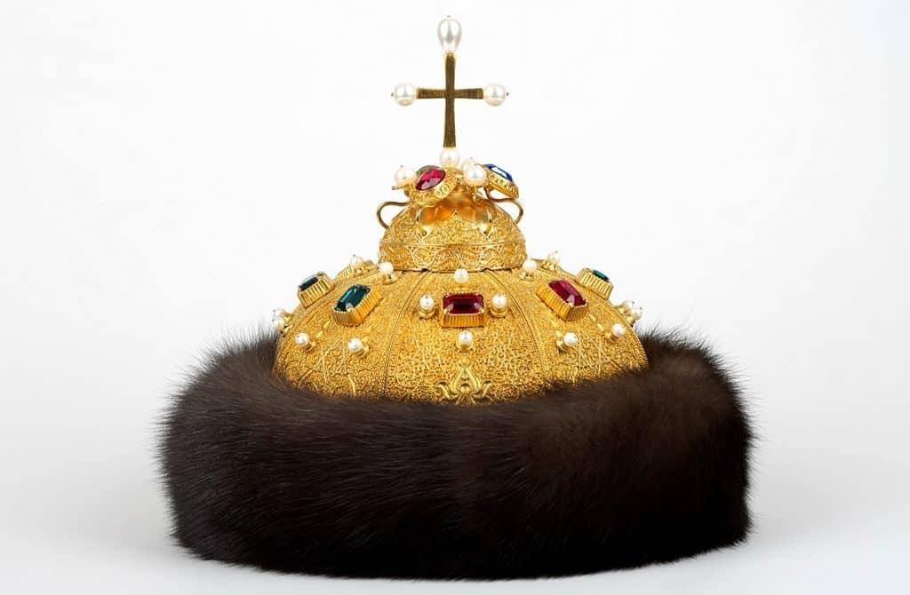 Атрибут царской власти - шапка Мономаха