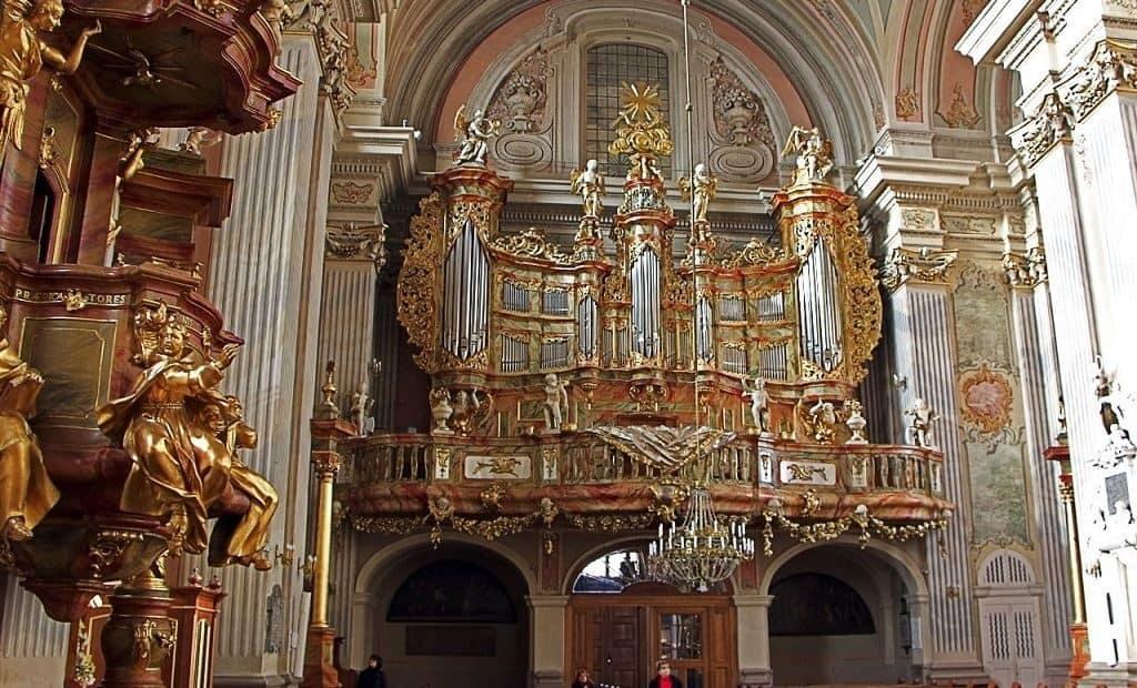 Орган церкови Святой Анны