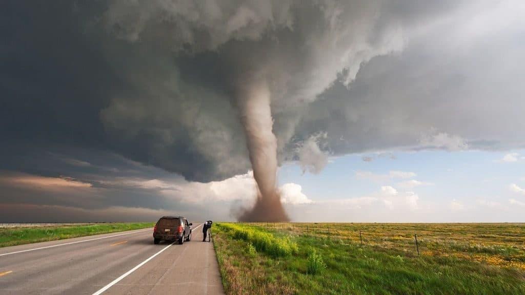 Чем отличается смерч от торнадо
