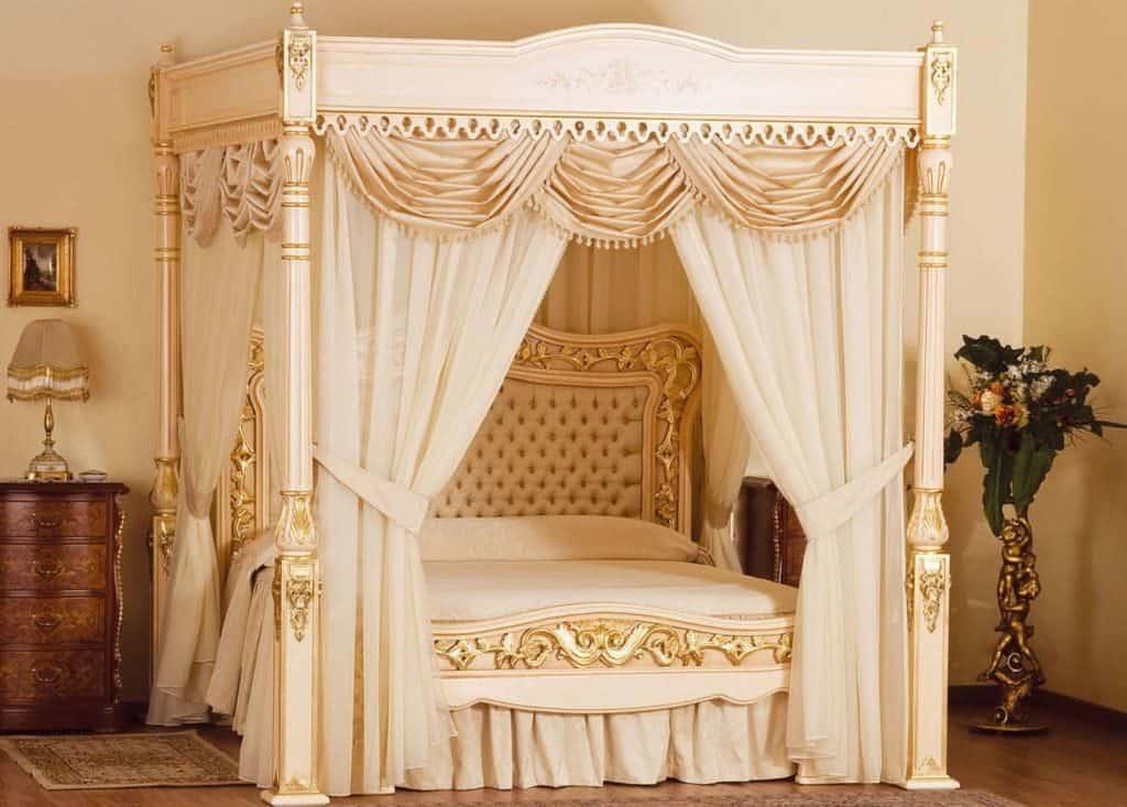 Дизайнерская кровать Стюарта Хъюдженса