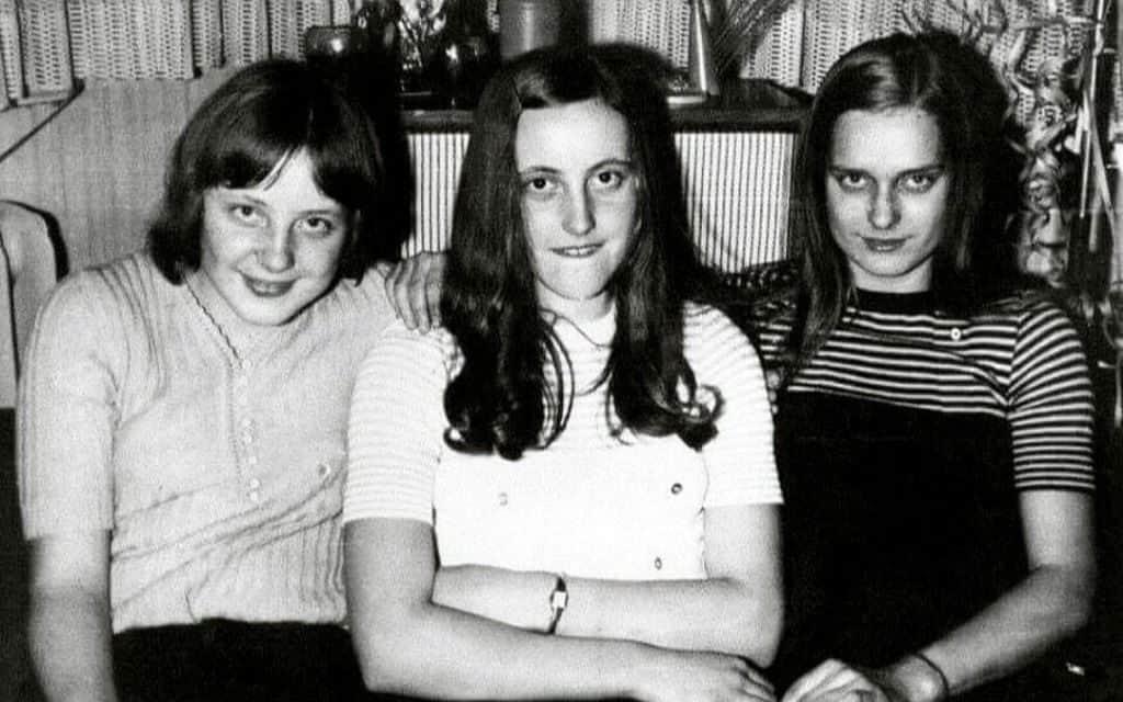 Ангела Меркель с сестрами