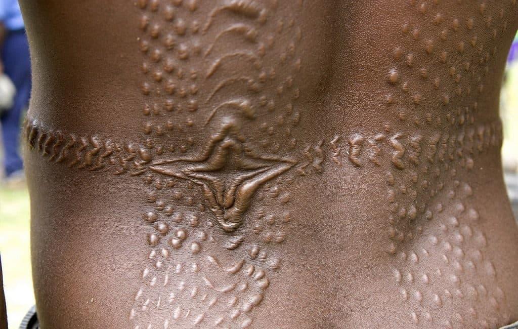 Скарификация в племени Пауле (Новая Гвинея)