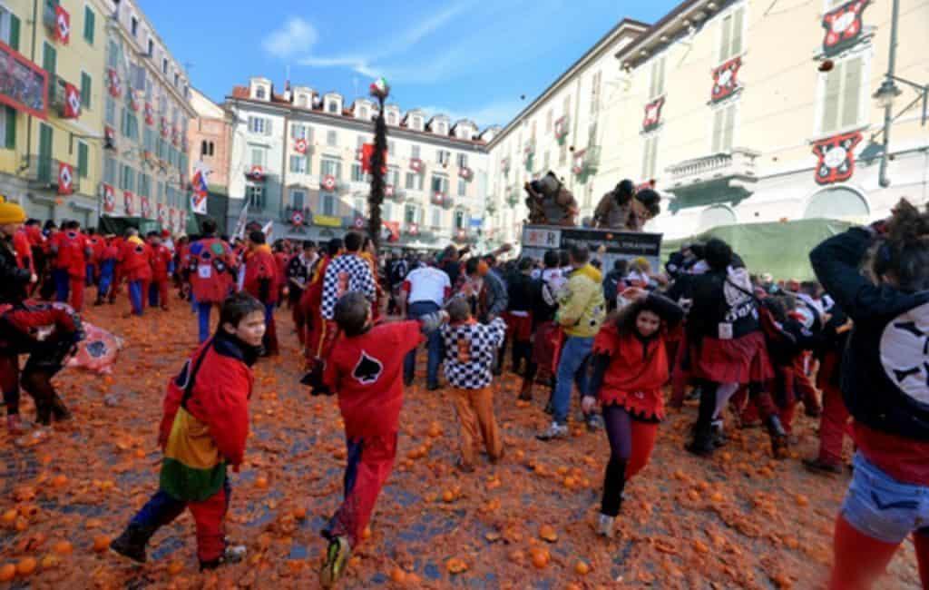 Апельсиновые бои в Италии