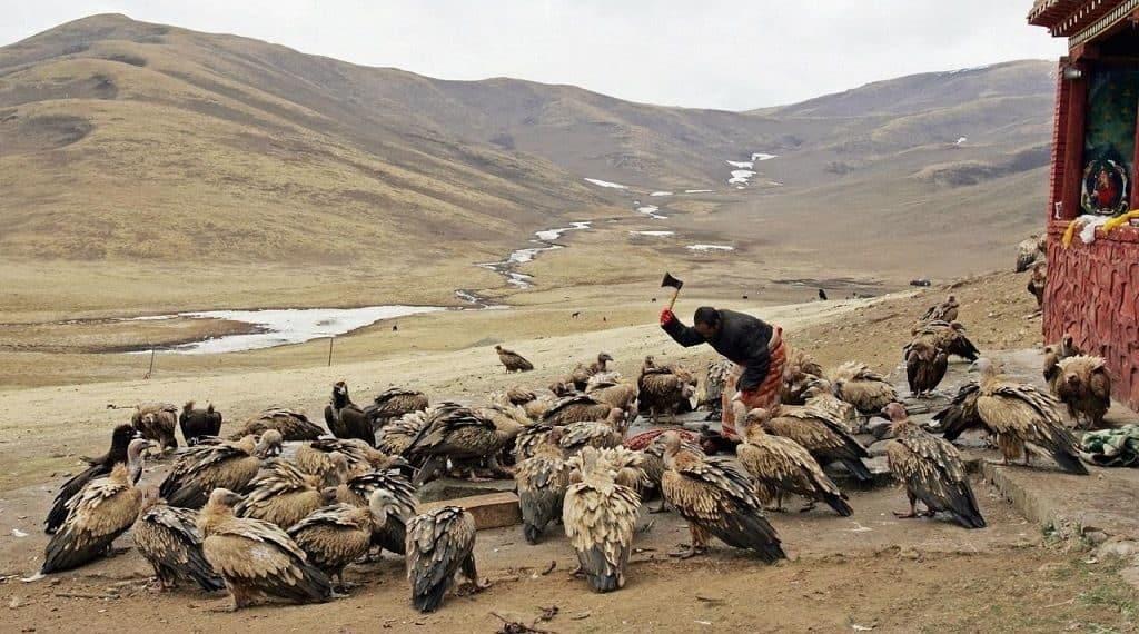 Небесные похороны на Тибете