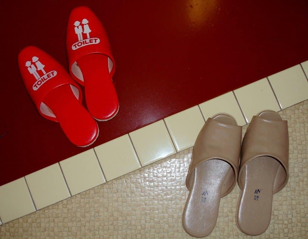 Обувь в японском доме