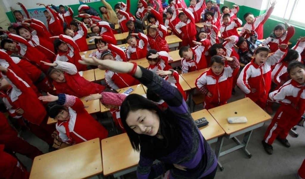 Физические упражнения на уроках в Китае