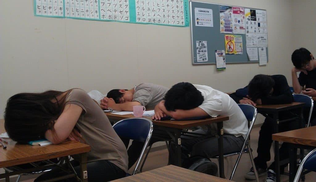 Сон на перемене в китайских школах