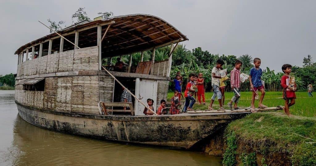 Плавучие центры знаний в Бангладеш