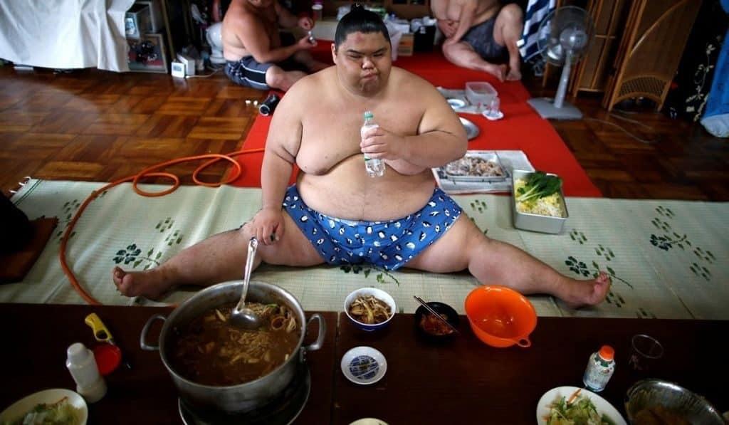 Питание борцов сумо