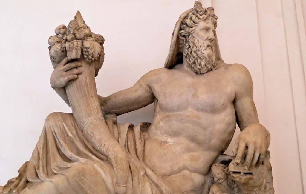 Зевс с рогом изобилия
