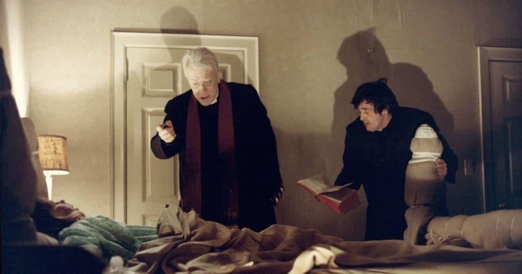 Кадр из фильма ужасов «Изгоняющий дьявола».