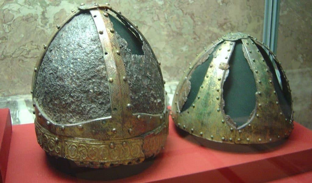 Шлем спангенхельм