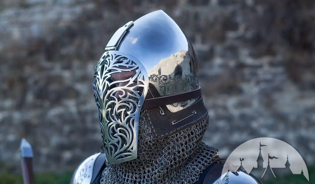 Шлем бацинет