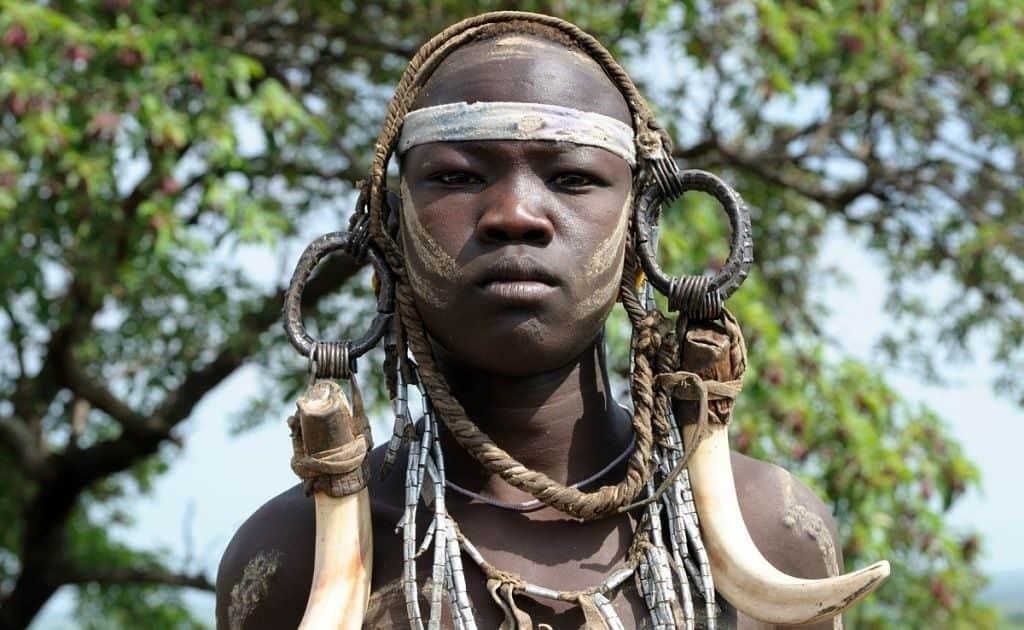 Мужчина из племени мурси