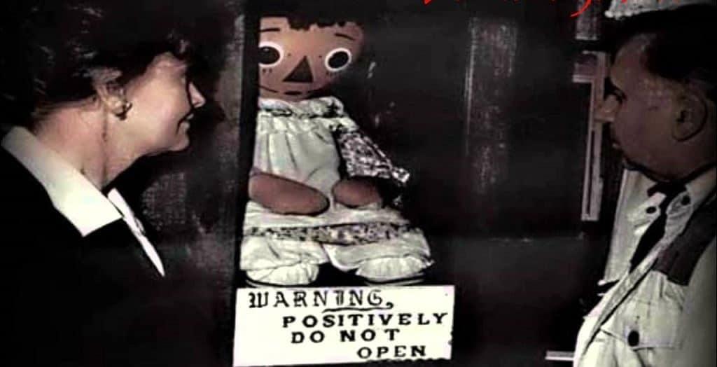Реальные истории о кукле Анабель