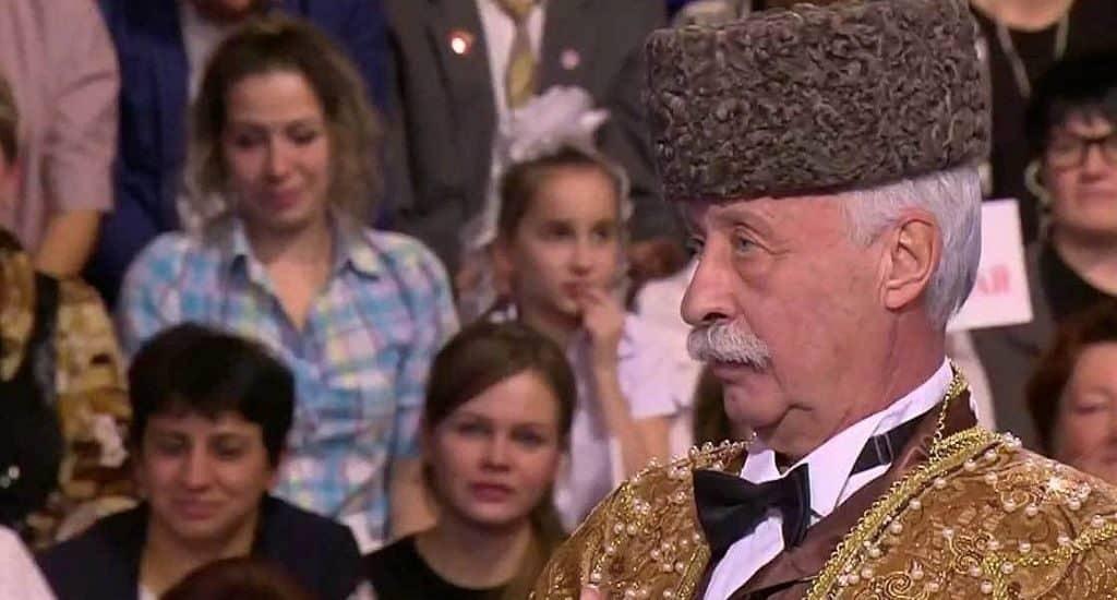 """Национальные костюмы в """"Поле Чудес"""""""