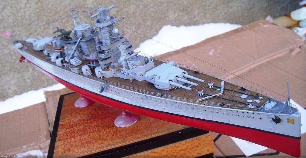 Модель немецкого линкора «Адмирал граф Шпее».