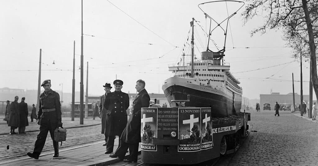 Корабль - трамвай