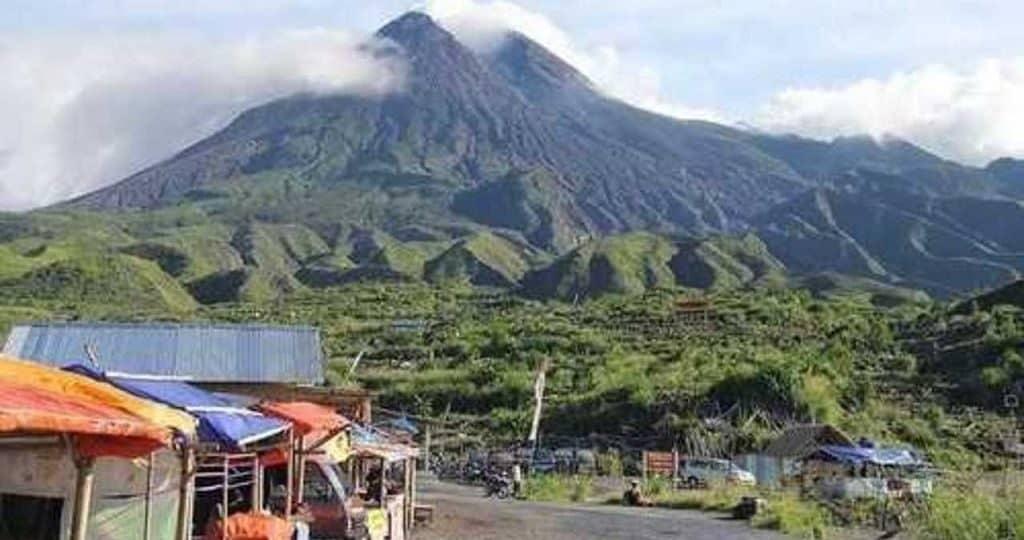 Жизнь около вулкана Мирапи