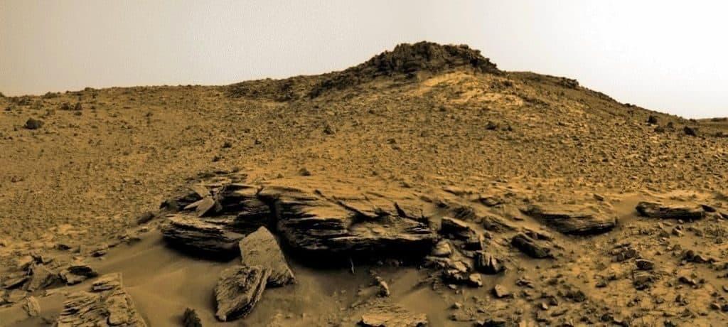 Необычный холм на Марсе