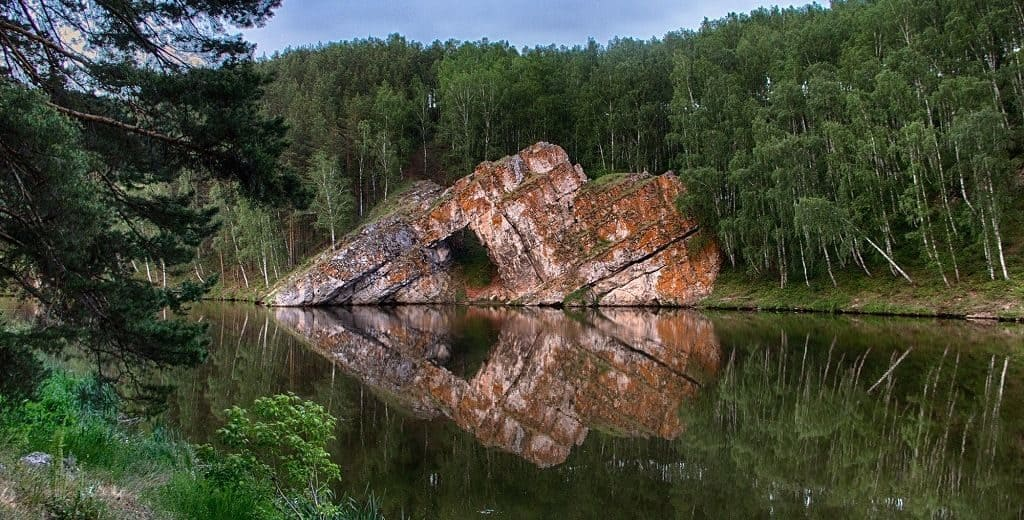 Каменные ворота на реке Исеть