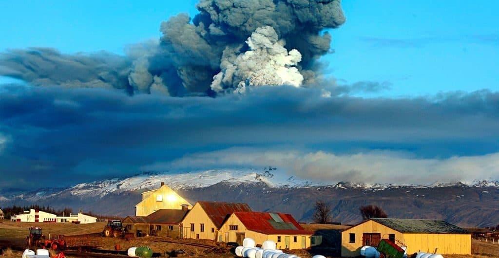 Эйяфьядлайёкюдль (Eyjafjallajökull)