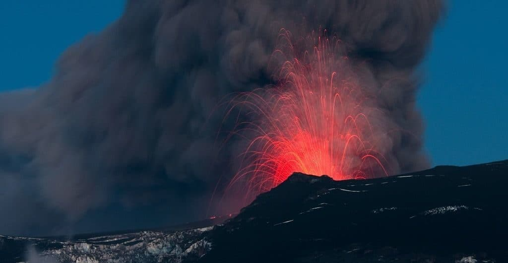 Извержение Эйяфьядлайёкюдля