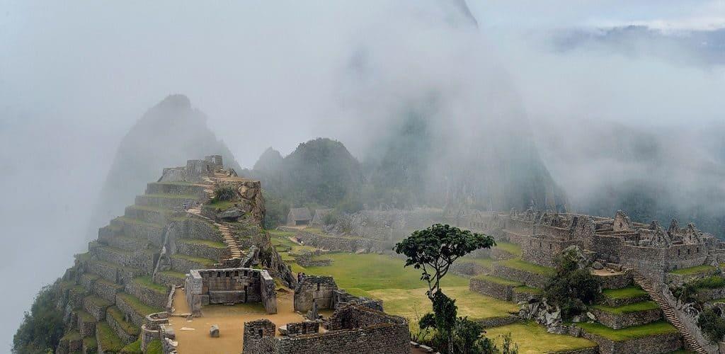 Туманы над Мачу-Пикчу
